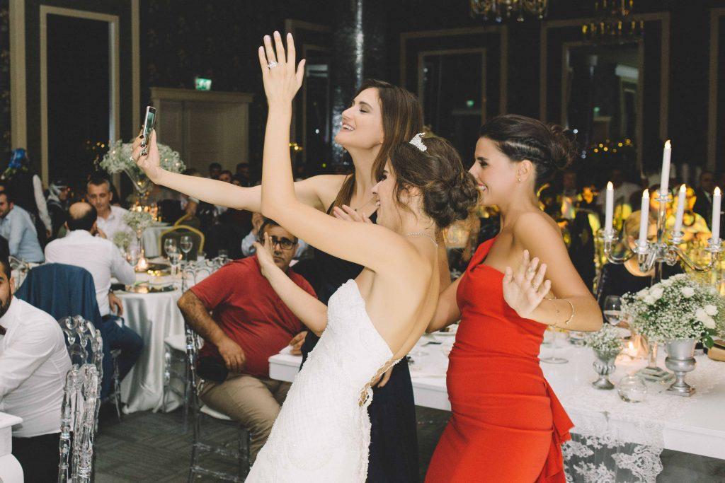 ezgi umut weddingstory 28 1024x683 - Ezgi & Umut // Dugun Hikayesi - Beykoz Kundura Fabrikası & Limak Eurasia Luxury Hotel