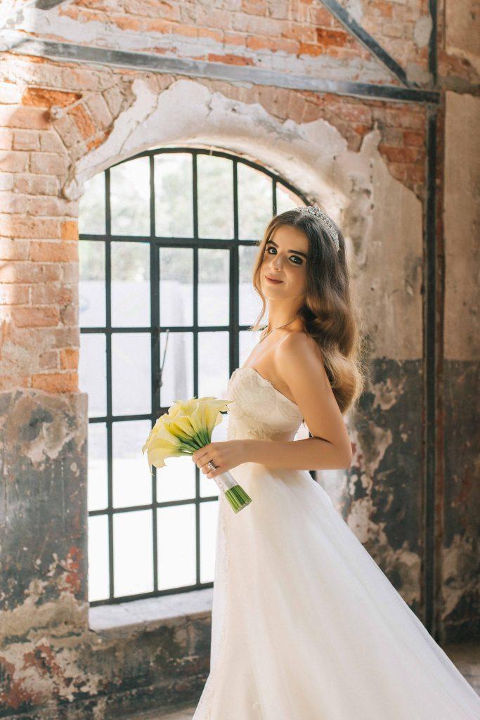 ezgi umut weddingstory 9 683x1024 - Ezgi & Umut // Dugun Hikayesi - Beykoz Kundura Fabrikası & Limak Eurasia Luxury Hotel