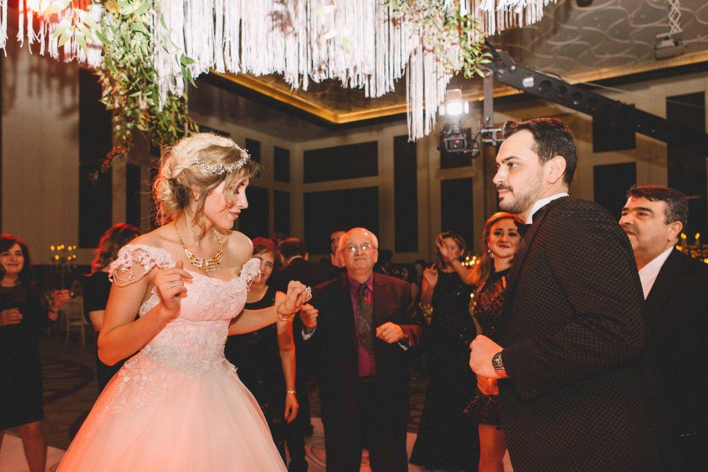 berna ozgur weddingstory49 1024x683 - Berna & Ozgur // Dugun Hikayesi, Sheraton Grand Adana Hotel