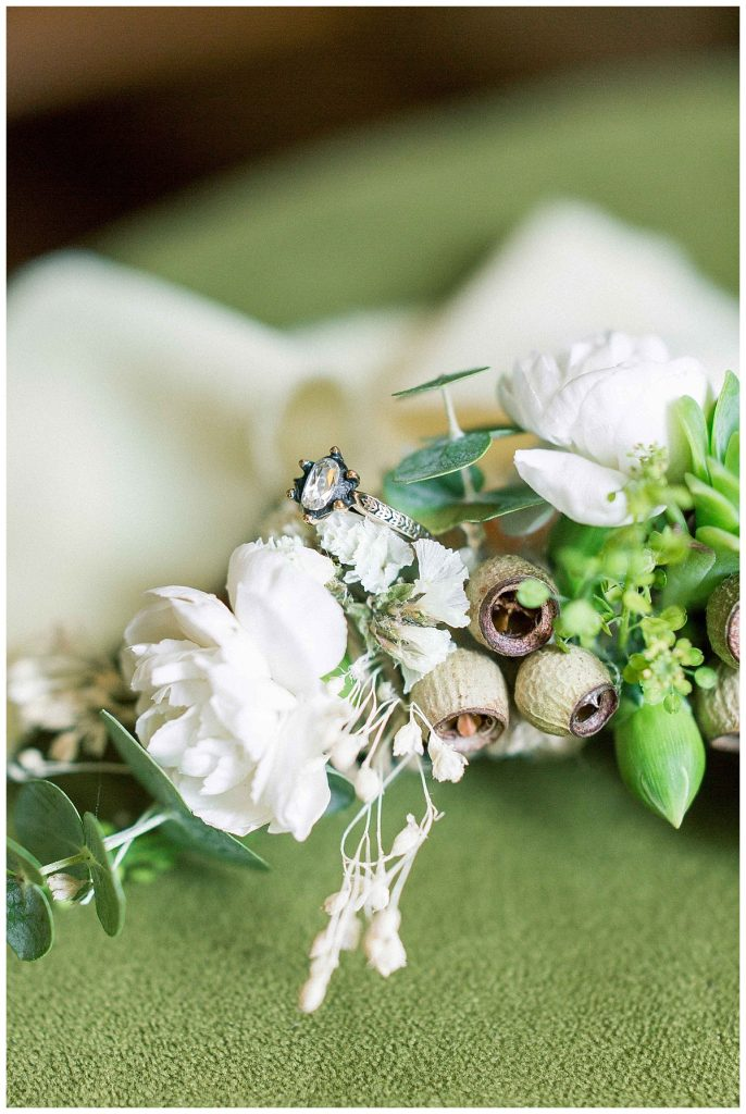 pinar cagri perapalacehotel weddingday 8 686x1024 - Pınar & Çagrı // Pera Palace Hotel Wedding Day